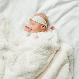 cobertor donna laco bebe pellit peles off white